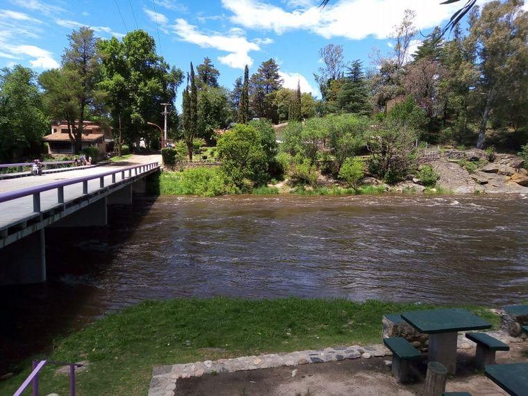 AUDIO: Advierten por crecidas en los ríos serranos tras la lluvia