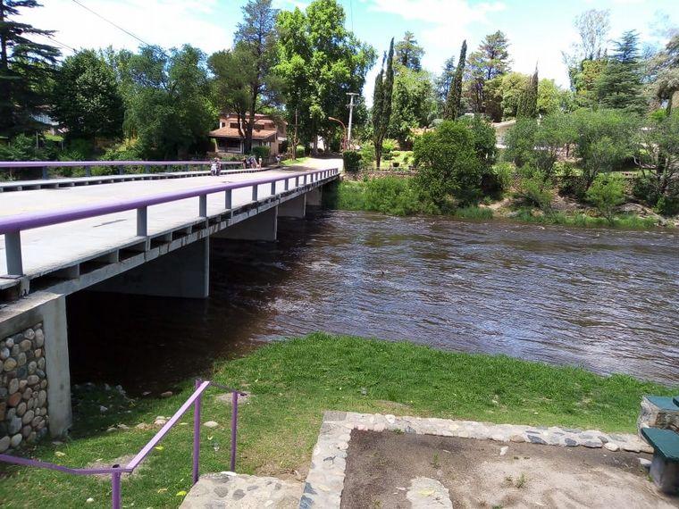 FOTO: Crecida en el río San Antonio, Cuesta Blanca