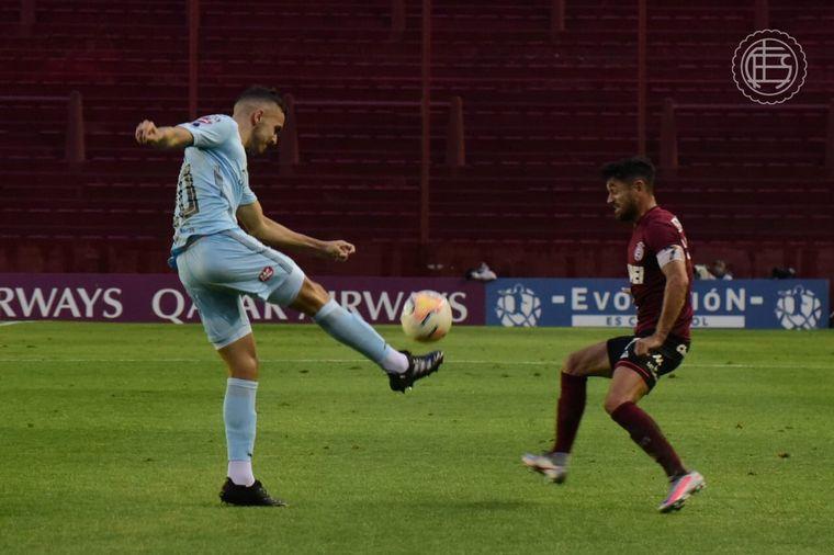 FOTO: Lanús goleó a Bolívar en La Fortaleza y avanzó a cuartos de final.