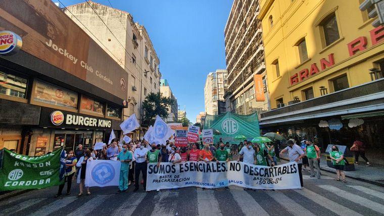 AUDIO: Marcha de médicos en Córdoba por salarios y falta de personal
