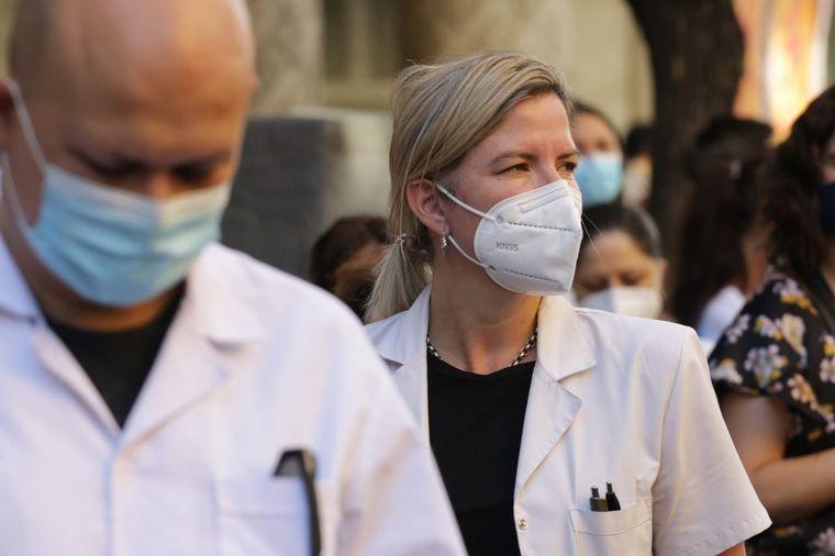 FOTO: Los profesionales de la salud se manifestaron en la capital cordobesa.