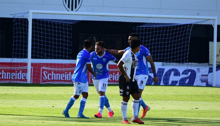 FOTO: A Estudiantes de Río Cuarto se lo empataron sobre el final (Foto: Prensa Oficial AAE)