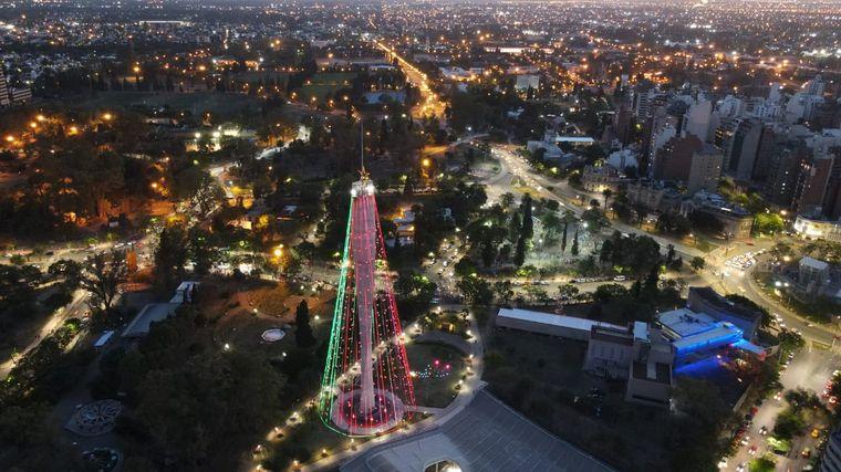 FOTO: Córdoba ya tiene su tradicional Árbol de Navidad encendido.