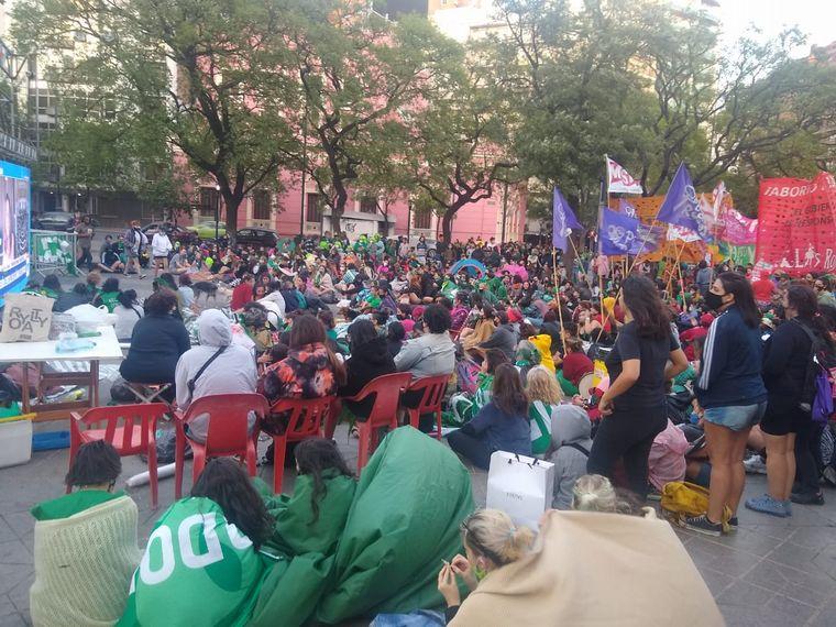 FOTO: Festejo por la media sanción del aborto en Buenos Aires
