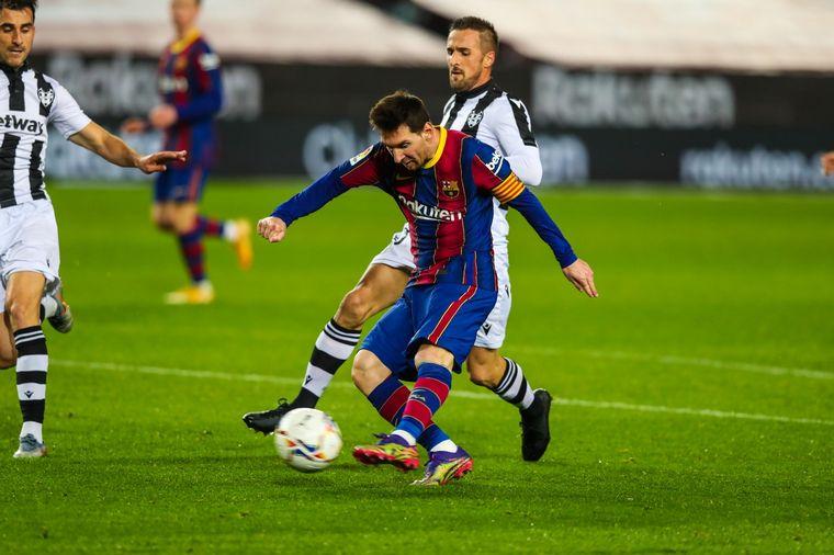 FOTO: Con gol de Messi, el Barcelona le ganó al Levante.