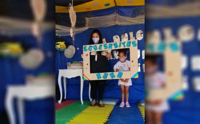 AUDIO: Córdoba: visitaron a sus alumnos de Jardín de Infantes con una