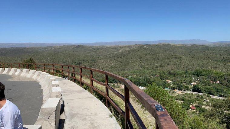 FOTO: Paseo recomendado: El nuevo puente que une Falda del Cañete con Las Jarillas