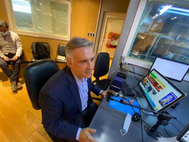 AUDIO: Llaryora anunció un plan de bacheo por $1.200 millones
