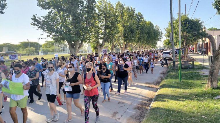 FOTO: Masiva marcha del silencio en Pilar por Luciano Gassmann