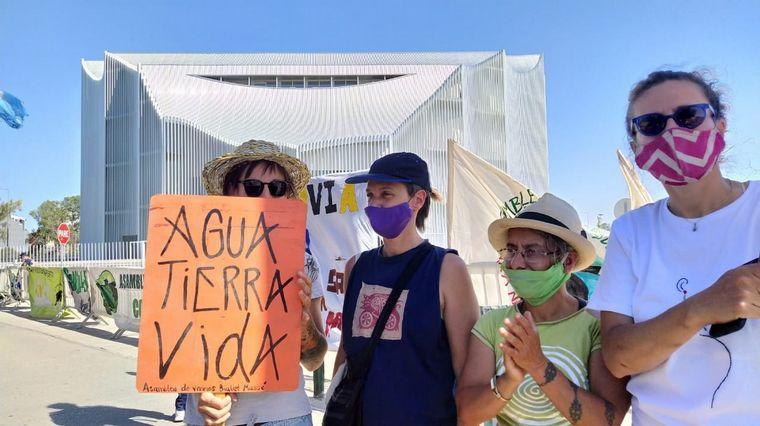 AUDIO: Con protestas ambientales, la Unicameral de Córdoba vota nueva traza de ruta 38