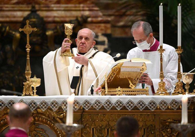 """FOTO: Francisco pidió alejarse de los """"pesebres de vanidad"""""""