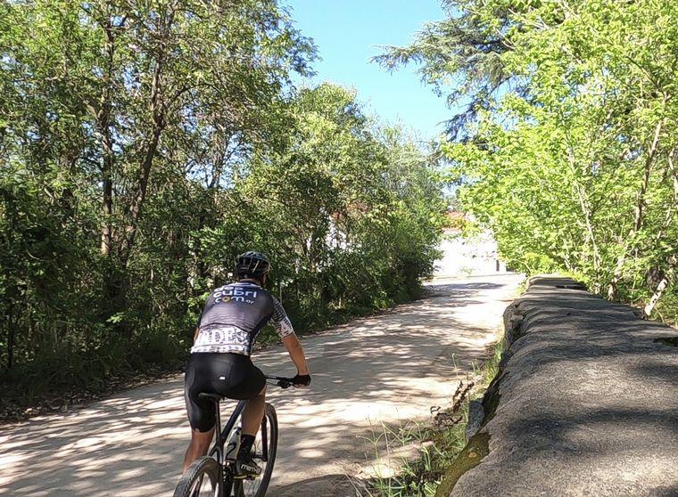 VIDEO: Tanti Cosquín en bici