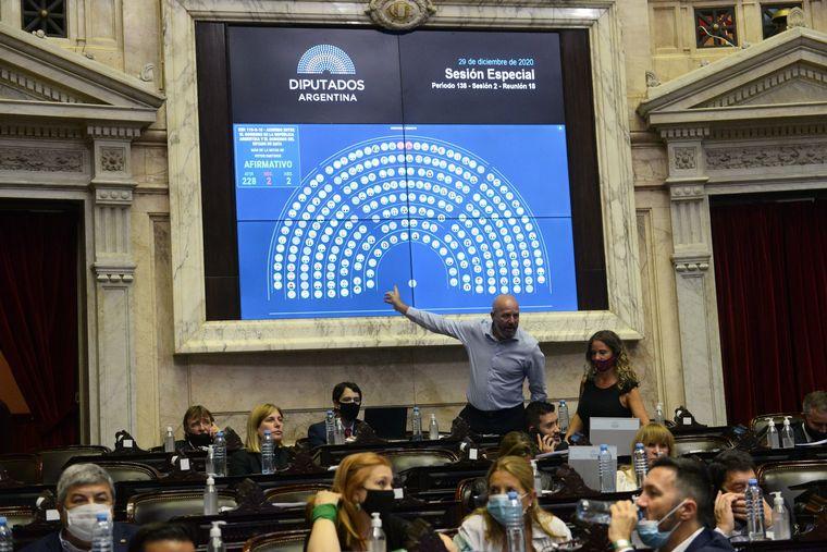 AUDIO: El oficialismo sanciona en Diputados la nueva fórmula de movilidad jubilatoria