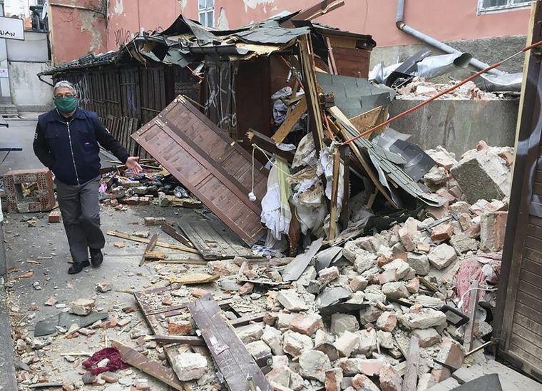FOTO: Fuerte terremoto de 6.4 sacudió Croacia