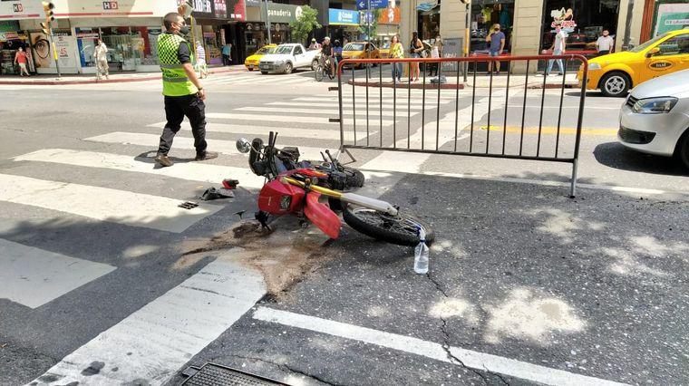 AUDIO: Chocó a un motociclista que salió despedido y escapó en Córdoba