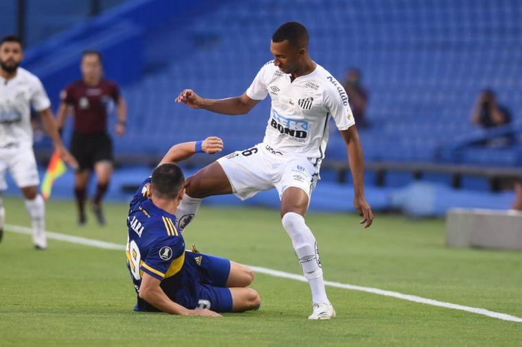 FOTO: Villa no pudo quebrar el arco de Santos.