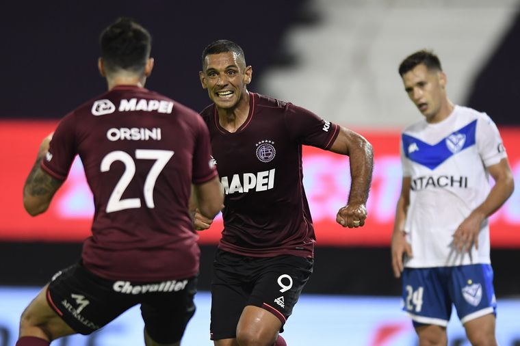 FOTO: Sand abrió el marcador para Lanús ante Vélez.