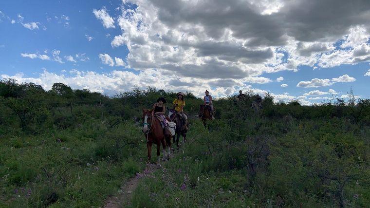 AUDIO: Cabalgata en La Falda, otra forma de recorrer las sierras