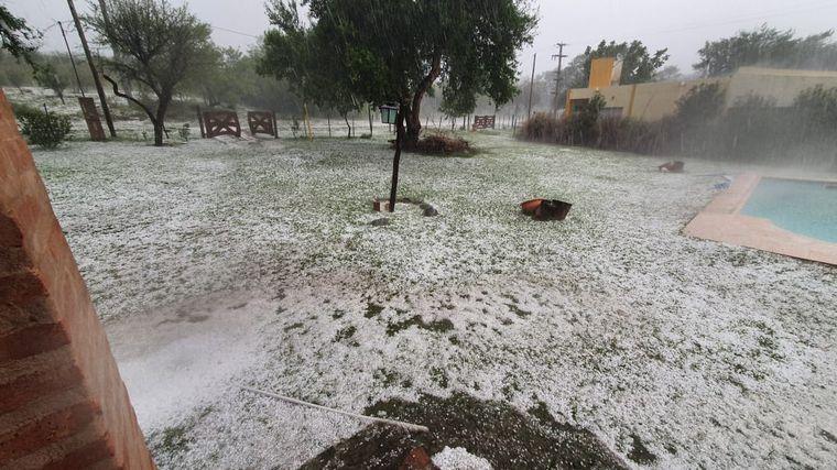 AUDIO: Un fuerte temporal de lluvia y granizo azotó a Nono