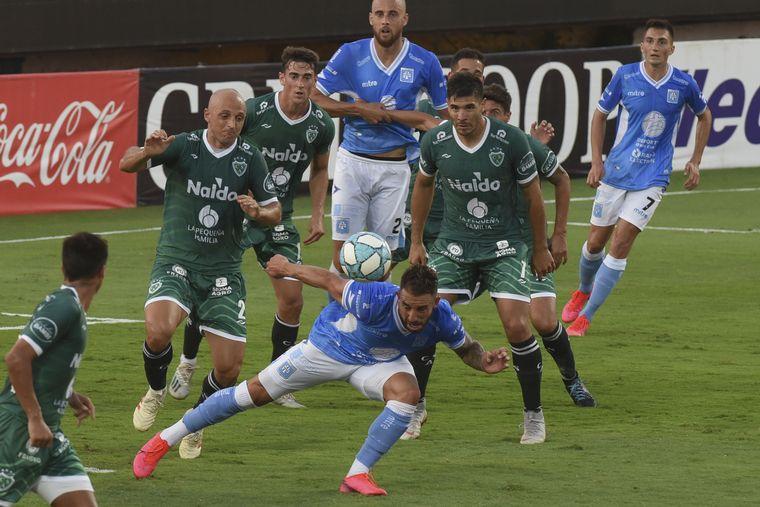 FOTO: Estudiantes cayó por penales ante Sarmiento y se quedó sin ascenso.