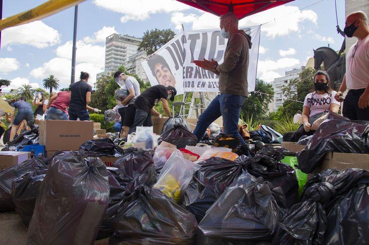 FOTO: Los padres de Fernando Báez Sosa organizaron una colecta a un año del crimen.