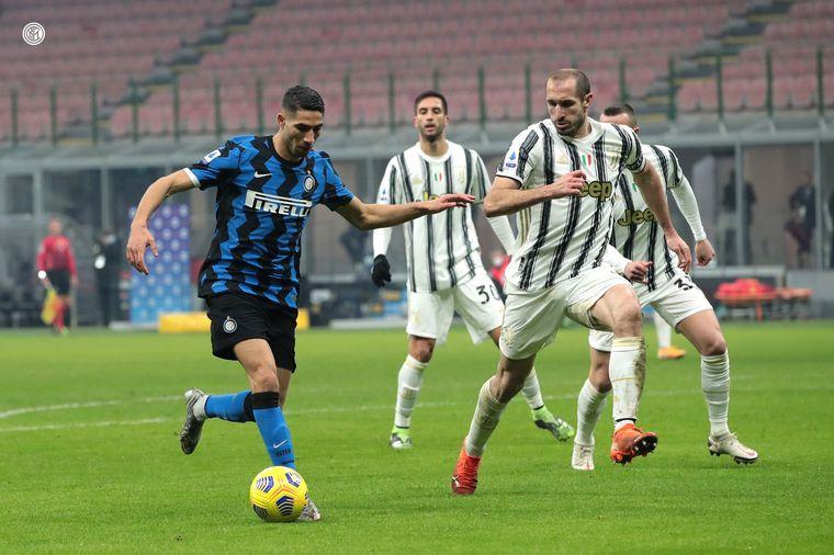 FOTO: Arturo Vidal y Nicoló Barella marcaron los goles del conjunto milanés.