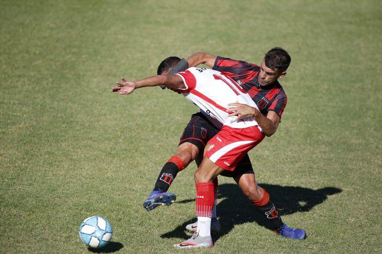 FOTO: El encuentro se disputó en el estadio Coliseo de Mitre y Puccini, en Villa Dálmine.