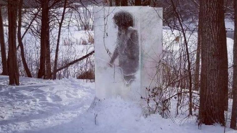 Encuentran bloque de hielo con 'cavernícola congelado' en Minnesota