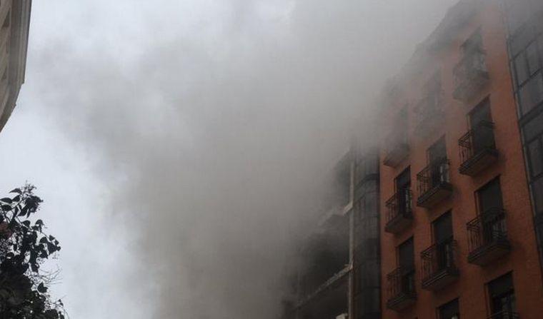 FOTO: Explosión en un edificio del centro de Madrid.