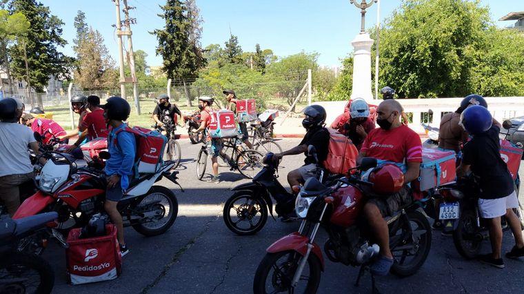 AUDIO: Se despejó la protesta de repartidores de apps en Córdoba