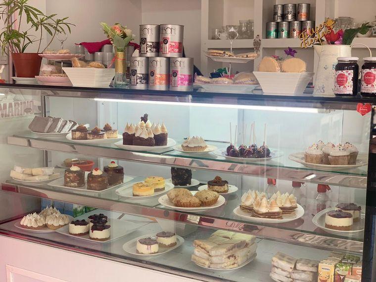 FOTO: Matías Arrieta celebró sus 40 años con tortas de Sabores del Arroyo en Mina Clavero