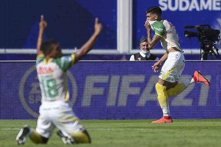 FOTO: Defensa y Justicia goleó a Lanús y se consagró campeón