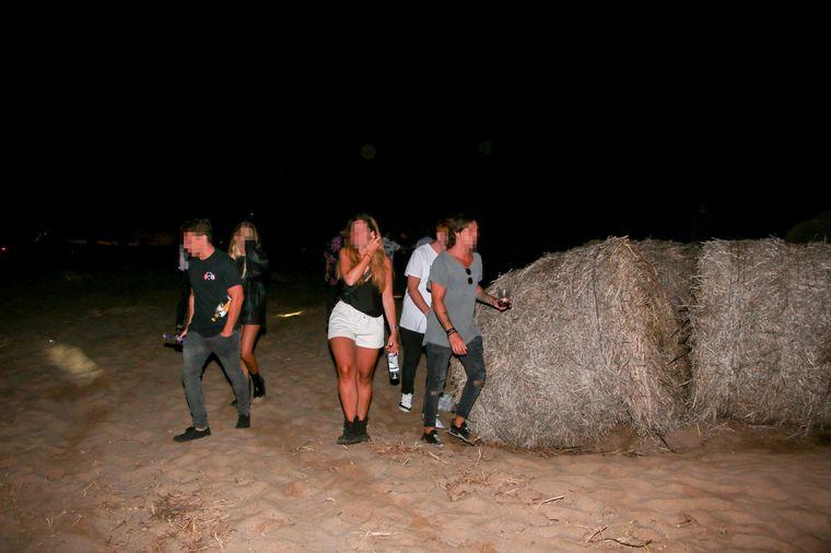 FOTO: Desactivan una fiesta clandestina en una playa de La Costa