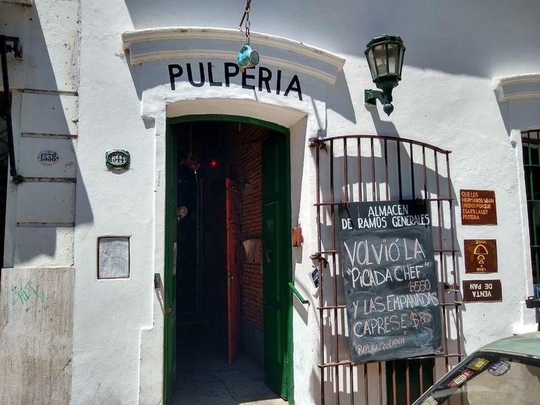 FOTO: Orlando Morales visitó la pulpería Quilapán.