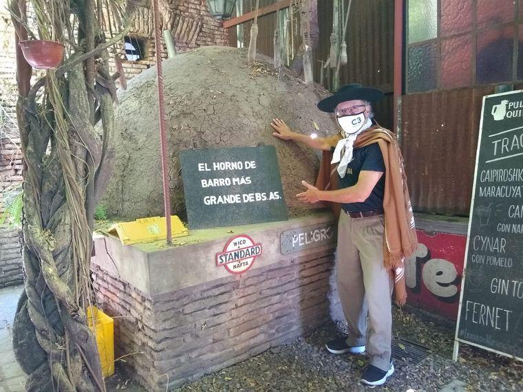 FOTO: Orlando Morales visitó la pulpería Quilapán