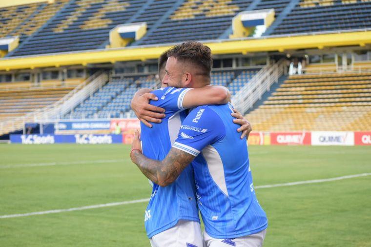 FOTO: Estudiantes de Río Cuarto le ganó a su par de Caseros y jugará la final.