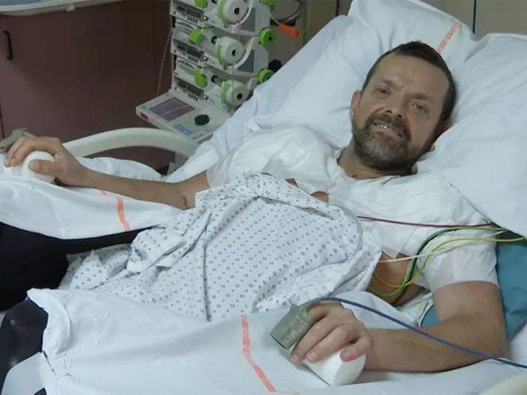 FOTO: Realizaron con éxito el primer trasplante de brazos.
