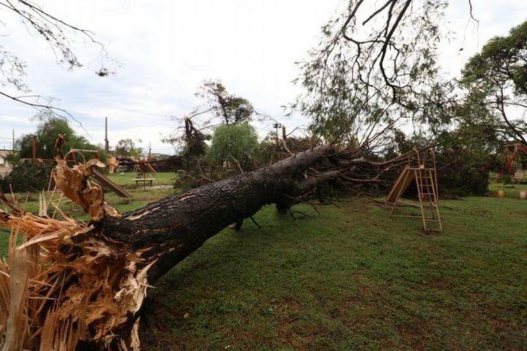 FOTO: Destrozos en Laborde tras el paso del tornado