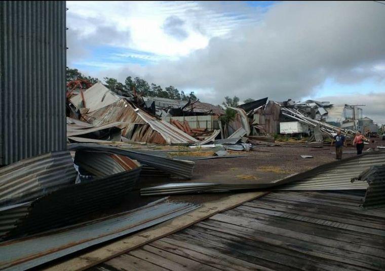 VIDEO: Impactantes imágenes de la tormenta en Wenceslao Escalante