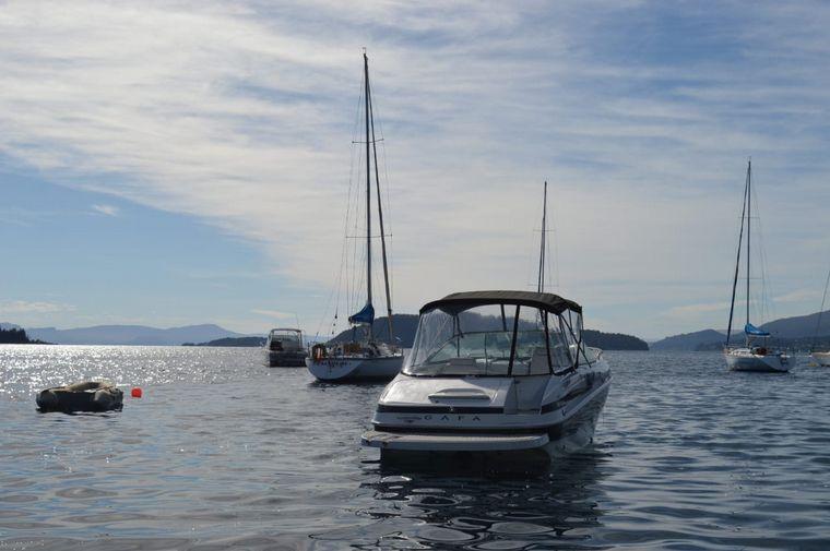AUDIO: Paseo en velero aguas adentro por el lago Nahuel Huapi