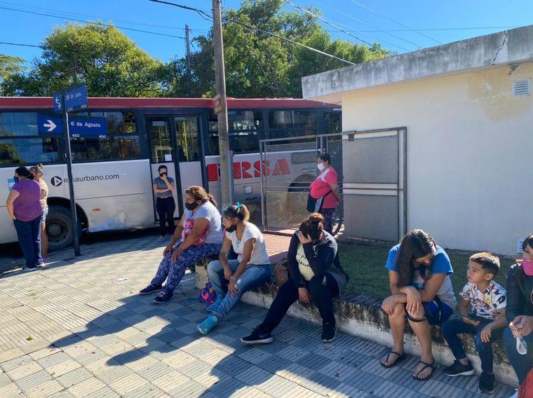 FOTO: El choque de colectivos dejó una decena de heridos.