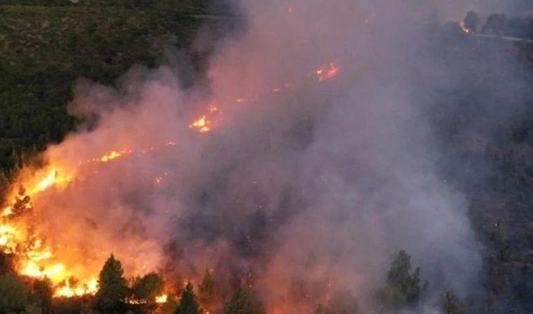 AUDIO: Por el incendio en El Bolsón, en un pueblo de Chubut no se puede ni fumar