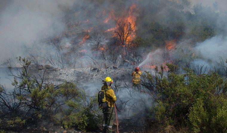 FOTO: En El Hoyo por dos días no se puede prender fuego ni para fumar.