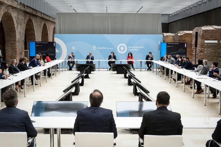 FOTO: Gobierno y empresarios acordaron por precios y salarios