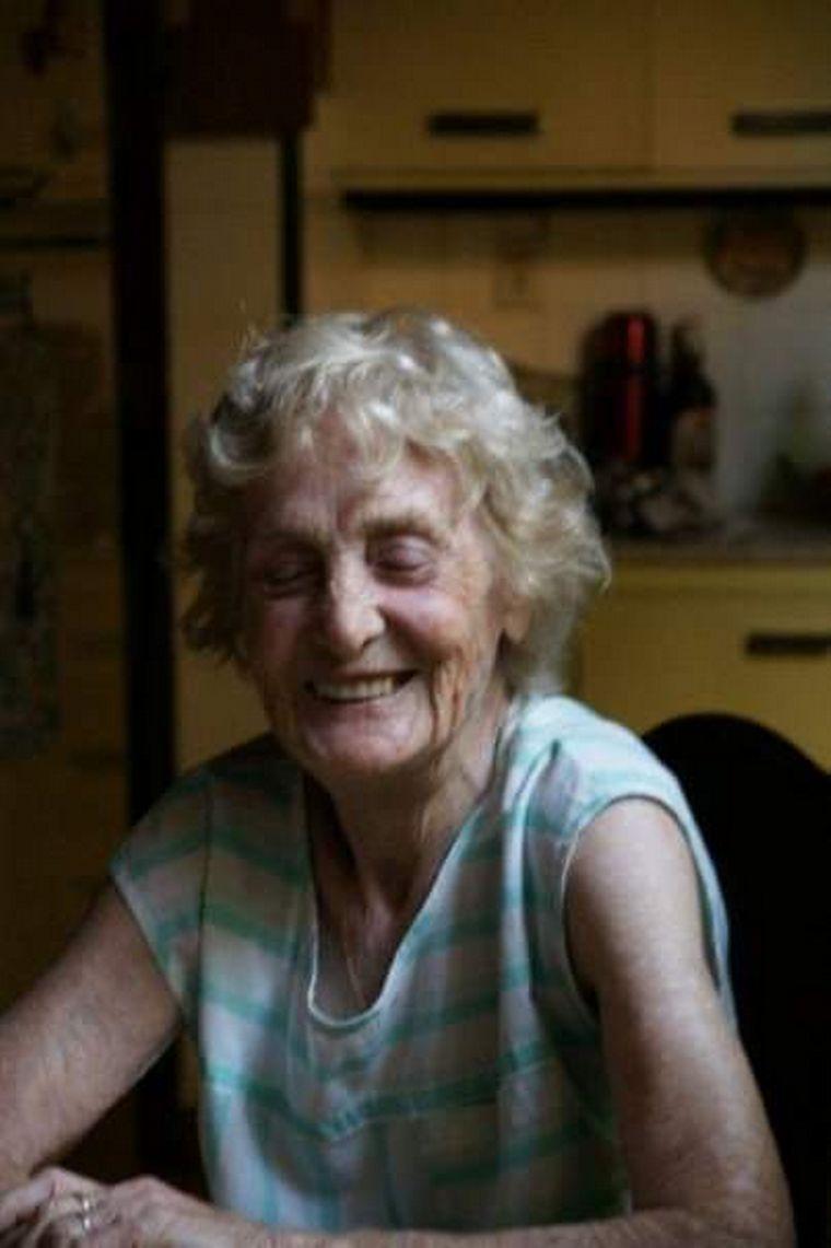 AUDIO: Nélida celebró sus 100 años a pura serenata en familia