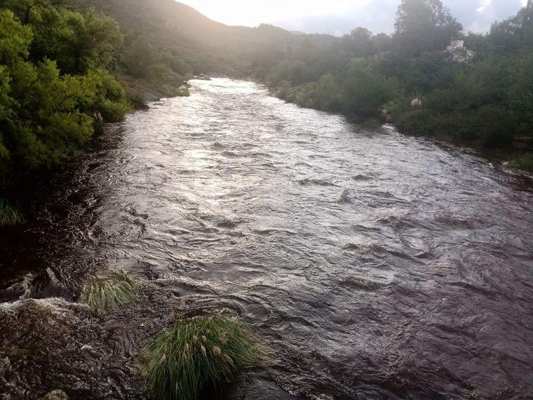 AUDIO: Alertan por crecidas en los ríos serranos tras las lluvias