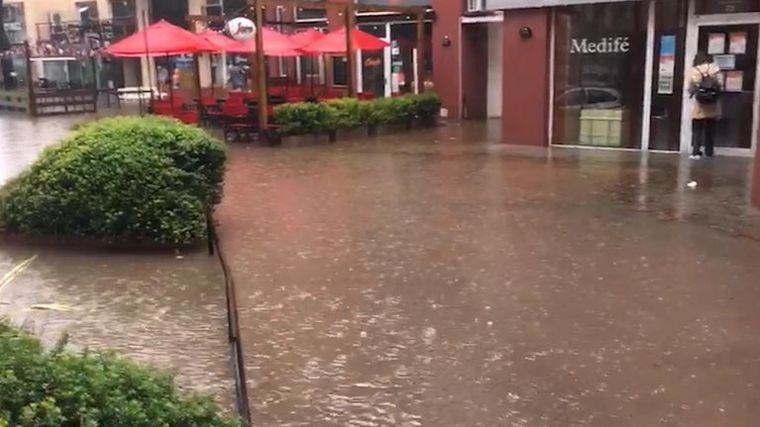 FOTO: Pinamar: cayeron 200 milímetros de agua que cayeron en tres horas.