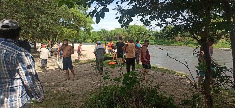 FOTO: Defensa Civil pide no acercarse a las márgenes de los ríos.