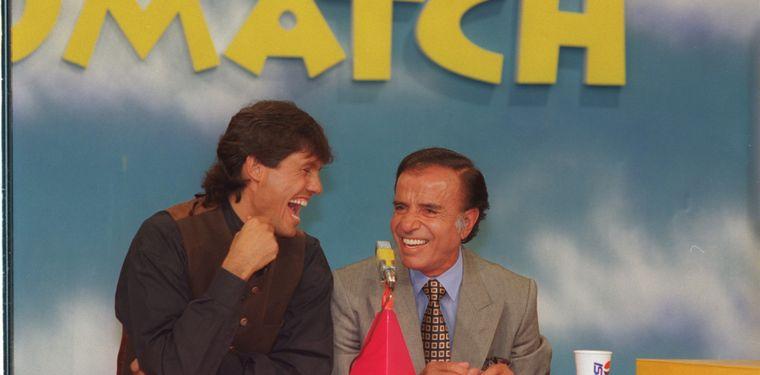 FOTO: Menem y Alfonsín acuerdan el Pacto de Olivos, que permitió la reelección del riojano.