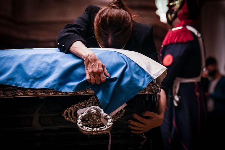 AUDIO: Dolor del gobernador y la vicegorbadora de La Rioja por la muerte de Menem